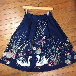 •Pleated Swan Circle Skirt•